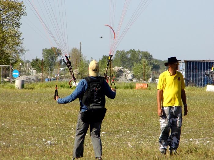Paragliding Greece: PARAMOTOR HOLIDAYS