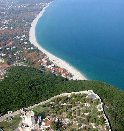 flying to the beach over the castle of Platamonas - Olympus